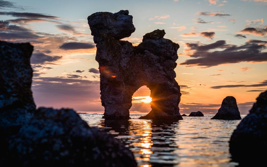 The Dog in Sunset – Limestone formation at Fårö