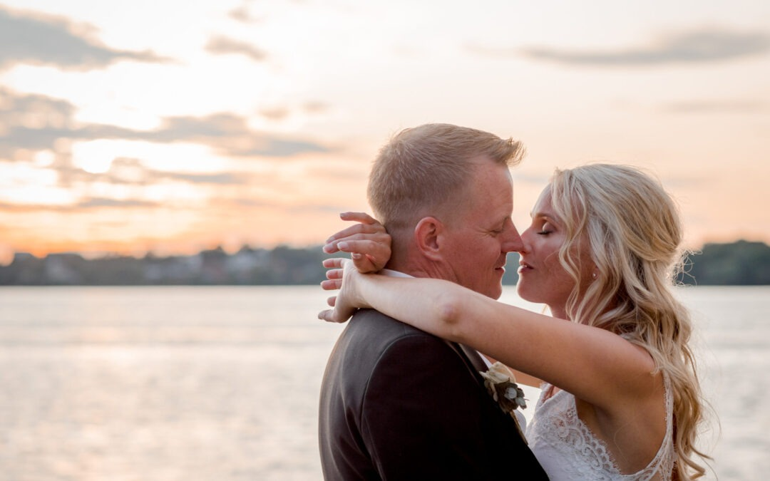 6  MORE reasons to elope!