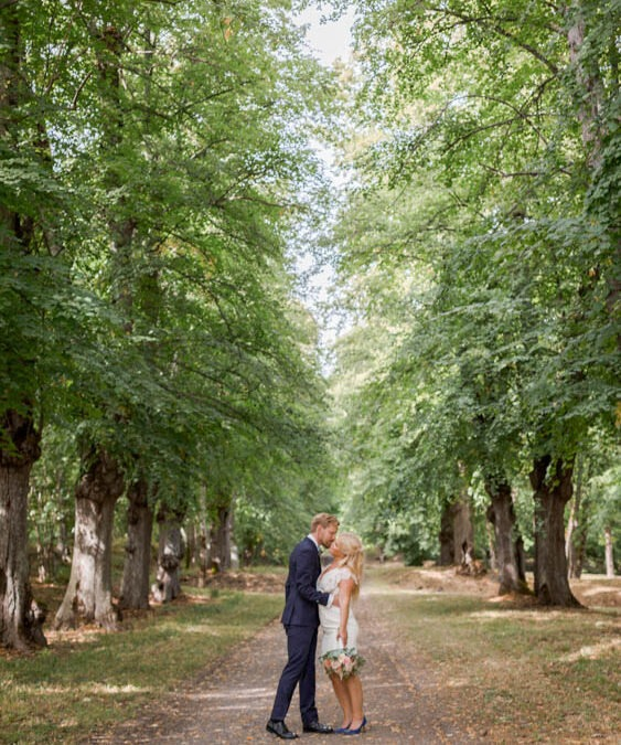 Love Never stop! instead this couple changed plans completely! they went for an elopement in stockholm!