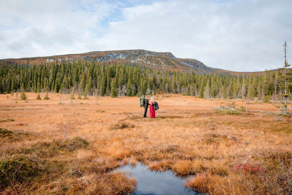 Wedding trends getting married in nature