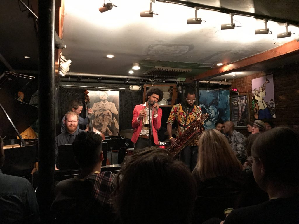 things to do in NYC is visiting a live jazzbar