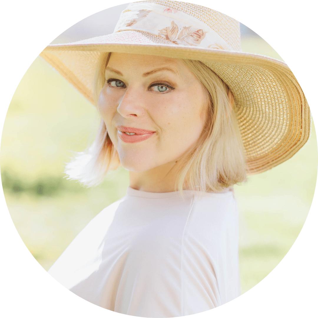 insta-connect Evelyn Wallin elopement photographer & expert