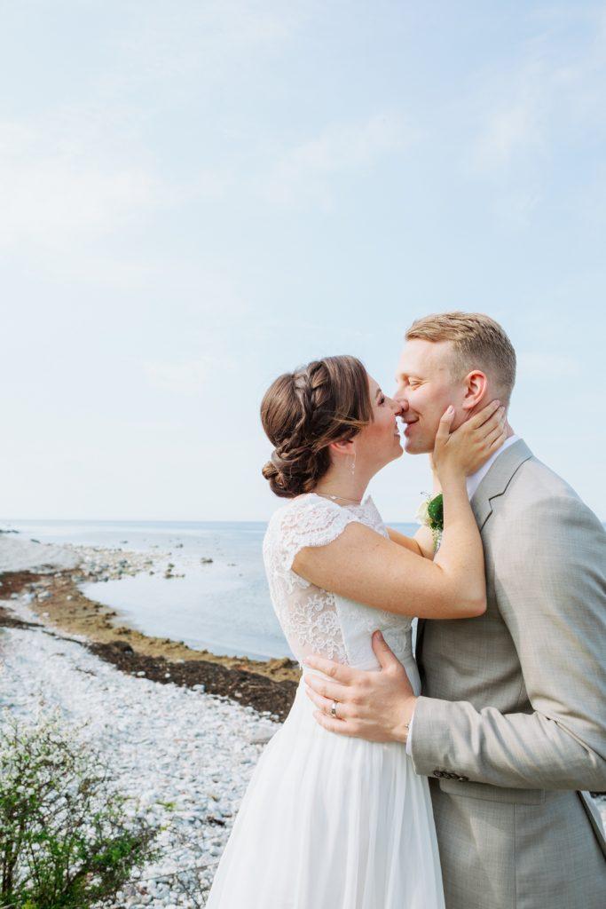 bridal hairdo's and gotland bridal kiss by Ihreviken
