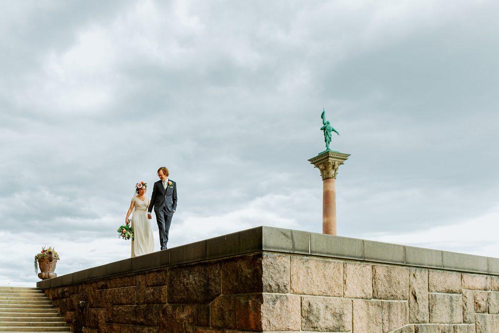 adventure elopement portrait walking on the edge
