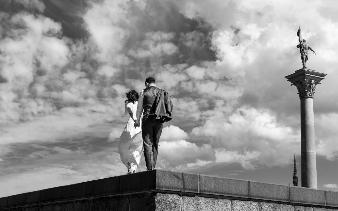 One passionate summer elopement by the water in beautiful Stockholm