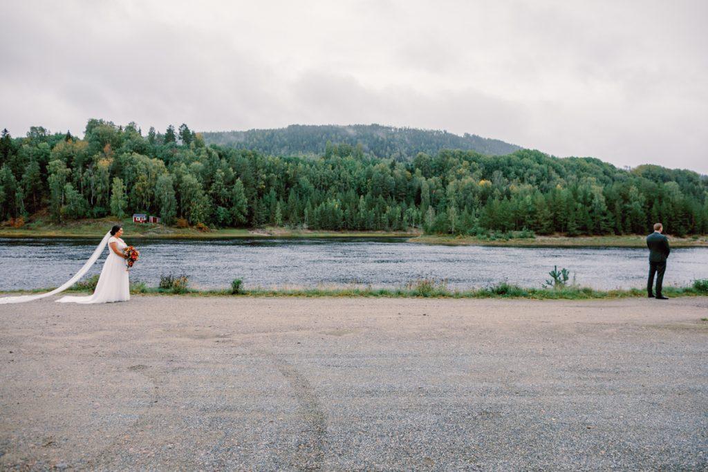 elopement wedding first look in a wide open landscape